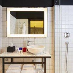Отель Mama Shelter Prague Чехия, Прага - 10 отзывов об отеле, цены и фото номеров - забронировать отель Mama Shelter Prague онлайн ванная фото 2
