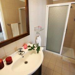 Отель Leonidas Village Houses ванная