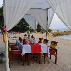 Отель First Bungalow Beach Resort фото 4