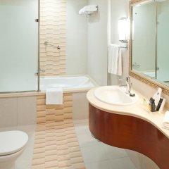 Отель Holiday Inn Bur Dubai Embassy District Дубай ванная фото 2
