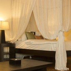 Отель Siloso Beach Resort, Sentosa сейф в номере
