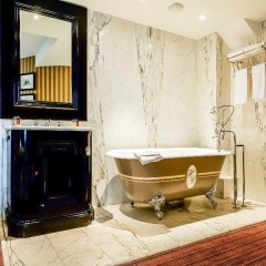 Отель Hôtel Chateaubriand Champs Elysées Париж ванная фото 2