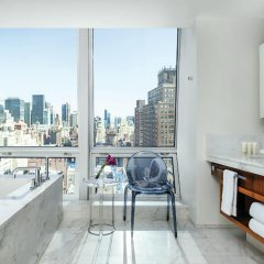 Отель The Langham, New York, Fifth Avenue ванная фото 2