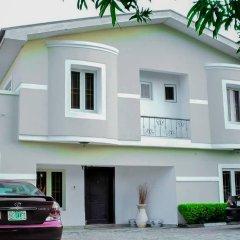 Отель The Emperor Place (Annex) Нигерия, Лагос - отзывы, цены и фото номеров - забронировать отель The Emperor Place (Annex) онлайн парковка