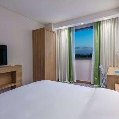 Отель Hampton by Hilton Istanbul Zeytinburnu комната для гостей
