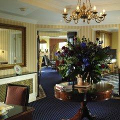 Отель Cheval Thorney Court интерьер отеля