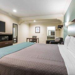 Отель Rodeway Inn & Suites LAX удобства в номере