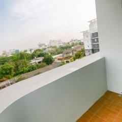 Отель Kv Mansion Бангкок балкон