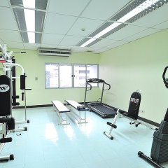 Отель Bangkok Christian Guesthouse Бангкок фитнесс-зал