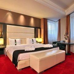 Отель Holiday Inn Belgrade, an IHG Hotel Сербия, Белград - отзывы, цены и фото номеров - забронировать отель Holiday Inn Belgrade, an IHG Hotel онлайн комната для гостей фото 4