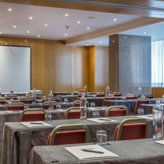 Отель Ramada by Wyndham Lisbon фото 2