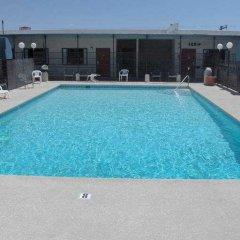 Отель Good Day Inn Downtown США, Лас-Вегас - отзывы, цены и фото номеров - забронировать отель Good Day Inn Downtown онлайн бассейн