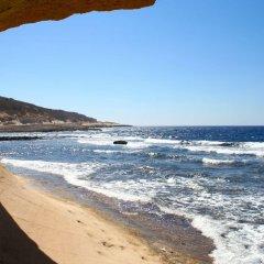 Отель Holiday Inn Express Malta Мальта, Сан Джулианс - отзывы, цены и фото номеров - забронировать отель Holiday Inn Express Malta онлайн пляж