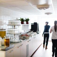 Отель Töölö Towers Финляндия, Хельсинки - отзывы, цены и фото номеров - забронировать отель Töölö Towers онлайн питание фото 2