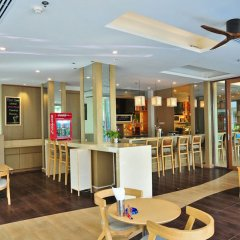 Отель The Ashlee Plaza Patong Hotel & Spa Таиланд, Карон-Бич - 1 отзыв об отеле, цены и фото номеров - забронировать отель The Ashlee Plaza Patong Hotel & Spa онлайн гостиничный бар