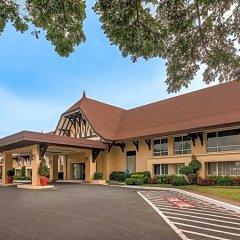 Отель Taal Vista Hotel Филиппины, Тагайтай - отзывы, цены и фото номеров - забронировать отель Taal Vista Hotel онлайн парковка