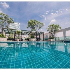 Отель Tc Green By Jummie Бангкок бассейн