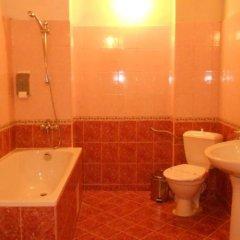 Отель Kalina Hotel Болгария, Боровец - отзывы, цены и фото номеров - забронировать отель Kalina Hotel онлайн ванная