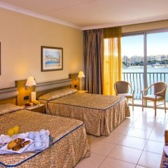 Отель Cavalieri Art Hotel Мальта, Сан Джулианс - 11 отзывов об отеле, цены и фото номеров - забронировать отель Cavalieri Art Hotel онлайн комната для гостей фото 4