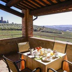 Отель Fattoria Abbazia Monte Oliveto Италия, Сан-Джиминьяно - отзывы, цены и фото номеров - забронировать отель Fattoria Abbazia Monte Oliveto онлайн балкон