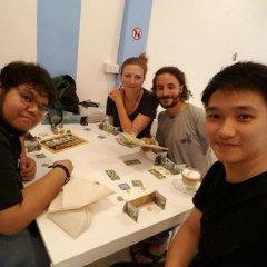Отель Board Game Hostel Таиланд, Бангкок - отзывы, цены и фото номеров - забронировать отель Board Game Hostel онлайн питание фото 3