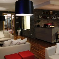 Отель Lbv House Алижо гостиничный бар