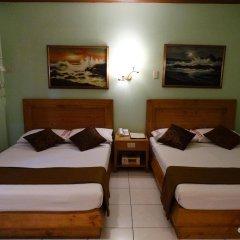 Отель Rosas Garden Hotel Филиппины, Манила - отзывы, цены и фото номеров - забронировать отель Rosas Garden Hotel онлайн сейф в номере