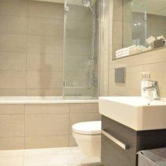 Отель 2 Bedroom 2 Storey Flat in Perfect Location Великобритания, Лондон - отзывы, цены и фото номеров - забронировать отель 2 Bedroom 2 Storey Flat in Perfect Location онлайн ванная