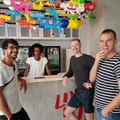 Liveitup Chitlom Hostel Бангкок гостиничный бар