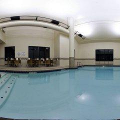 Отель Holiday Inn Express Hotel & Suites Columbus Univ Area - Osu США, Колумбус - отзывы, цены и фото номеров - забронировать отель Holiday Inn Express Hotel & Suites Columbus Univ Area - Osu онлайн бассейн фото 3