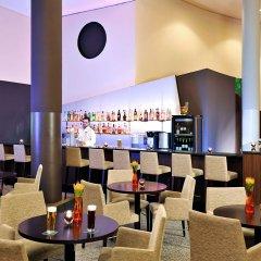 Отель NH Düsseldorf City гостиничный бар