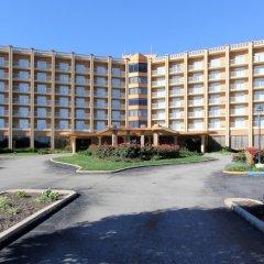 Clarion Hotel Conference Center Эссингтон парковка