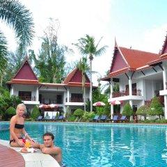 Отель Royal Lanta Resort & Spa бассейн