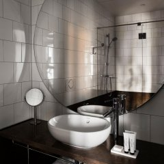 Отель Miss Clara by Nobis Швеция, Стокгольм - отзывы, цены и фото номеров - забронировать отель Miss Clara by Nobis онлайн ванная фото 2