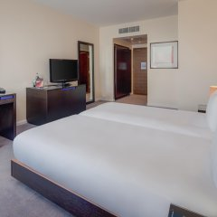 Отель Hilton London Canary Wharf 4* Стандартный номер с различными типами кроватей фото 2