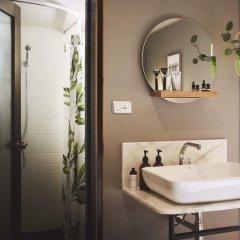 Отель Josh Hotel Таиланд, Бангкок - отзывы, цены и фото номеров - забронировать отель Josh Hotel онлайн ванная