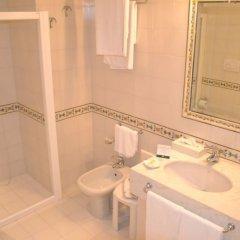 Отель Sangiorgio Resort & Spa Италия, Кутрофьяно - отзывы, цены и фото номеров - забронировать отель Sangiorgio Resort & Spa онлайн ванная