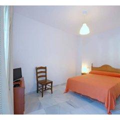 Отель Hostal La Posada Испания, Кониль-де-ла-Фронтера - отзывы, цены и фото номеров - забронировать отель Hostal La Posada онлайн комната для гостей фото 3