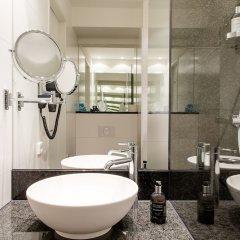 Отель Motel One Frankfurt-Römer ванная фото 2
