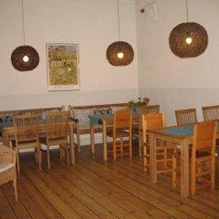 Castanea Old Town Hostel гостиничный бар