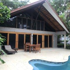 Отель First Landing Beach Resort & Villas бассейн