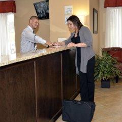 Отель Holiday Inn Express Newington интерьер отеля фото 2