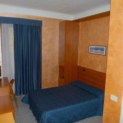 Hotel Aurora комната для гостей
