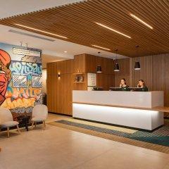 Отель Holiday Inn London Commercial Road интерьер отеля фото 2