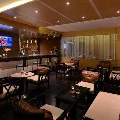 Отель Tulip Inn West Delhi гостиничный бар