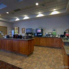 Отель Country Inn & Suites by Radisson, Calgary-Airport, AB Канада, Калгари - отзывы, цены и фото номеров - забронировать отель Country Inn & Suites by Radisson, Calgary-Airport, AB онлайн питание