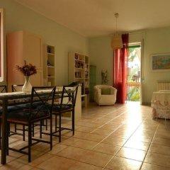Отель Bed & Roses Италия, Монтезильвано - отзывы, цены и фото номеров - забронировать отель Bed & Roses онлайн комната для гостей фото 3