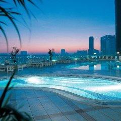 Отель Hilton Sharjah ОАЭ, Шарджа - 10 отзывов об отеле, цены и фото номеров - забронировать отель Hilton Sharjah онлайн бассейн фото 3