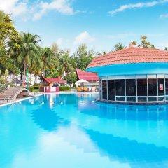 Отель Bayview Beach Resort Малайзия, Пенанг - 6 отзывов об отеле, цены и фото номеров - забронировать отель Bayview Beach Resort онлайн бассейн