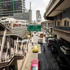 Отель The Step Sathon Бангкок балкон
